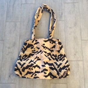 Thief River NWT Carpet Tote